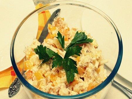 Салат из ананасов и курицы без кукурузы