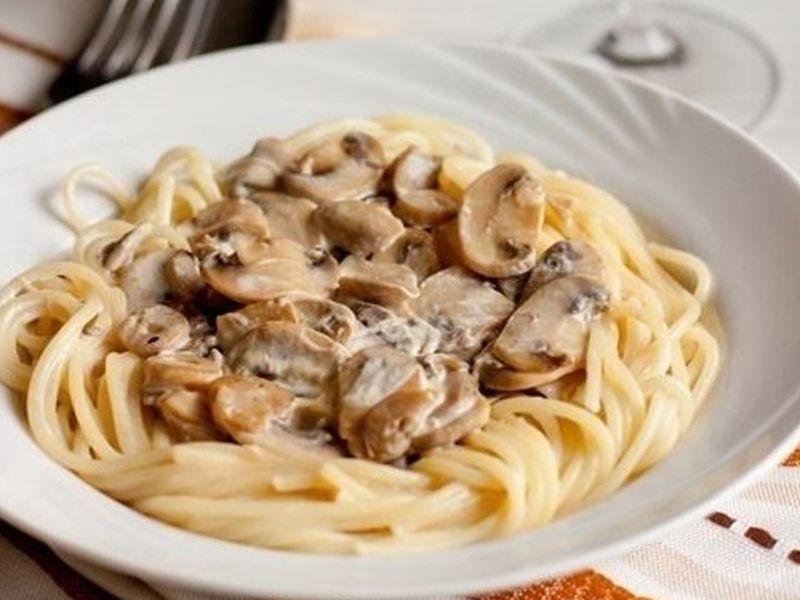 Рецепт пасты в сливочном соусе с грибами